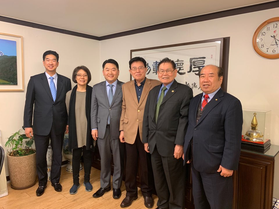 AKU USA meets Executive Vice Chairman ( ?????) of National Unification Advisory Council