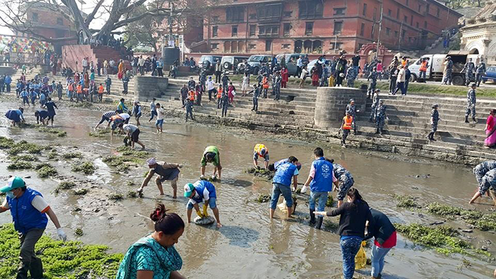 Bagmati-River-Volunteers-in-Action