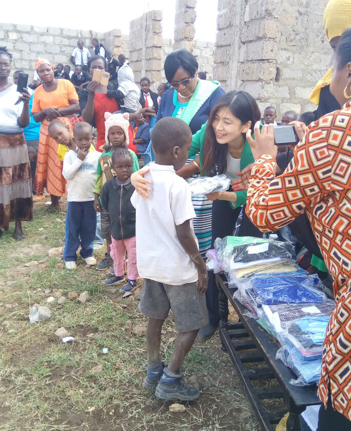 GPW Kenya distributes school uniforms.