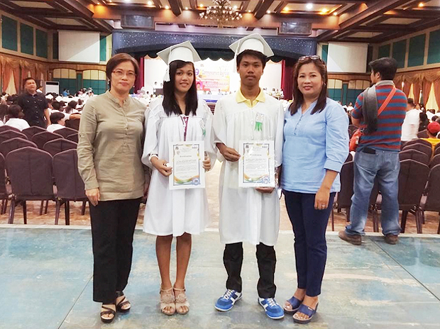 GlobALS passers at 9th ALS commencement in Neuva Ecija with Global Peace Foundation Philippines staff.