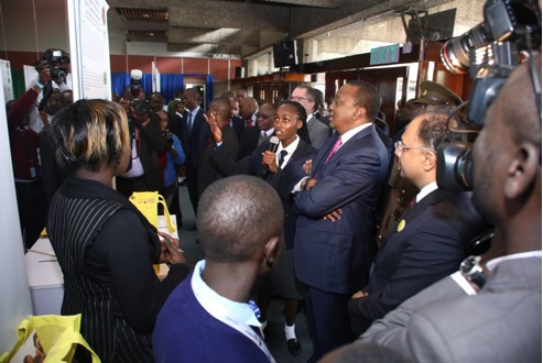 Kenya President at Young Scientist exhibition