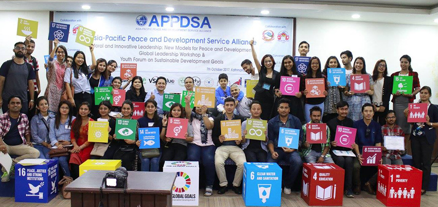 Students hold SDGs at Nepal Forum