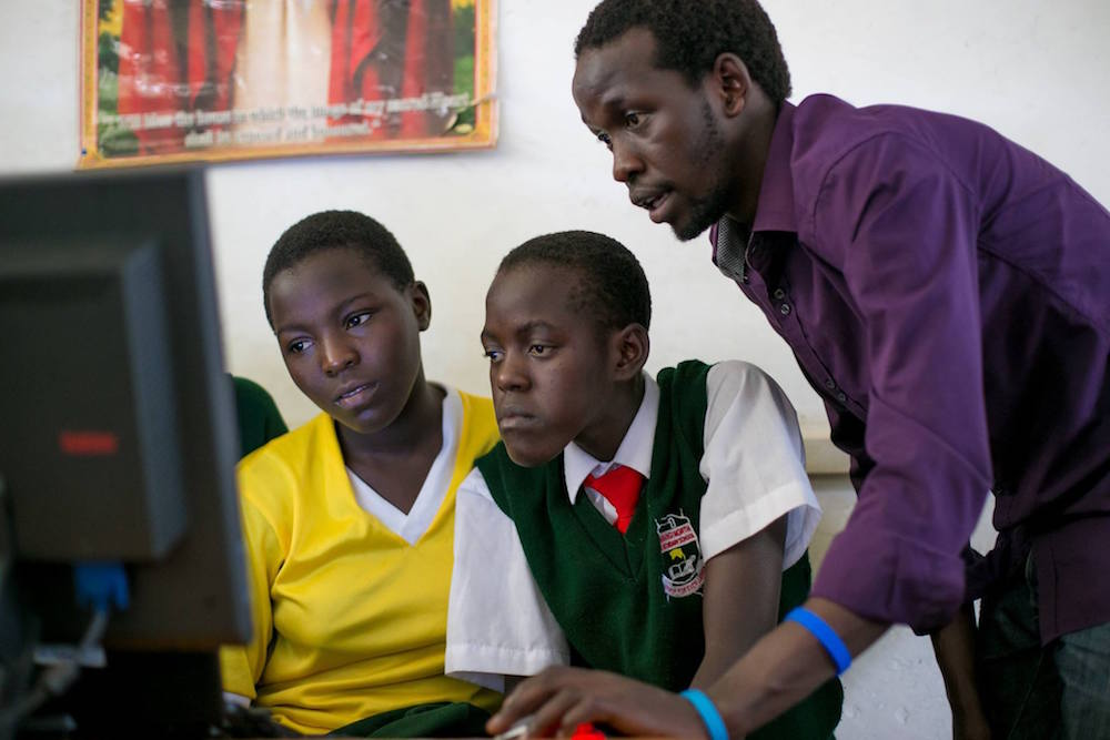 Andela developers assist Teencode students