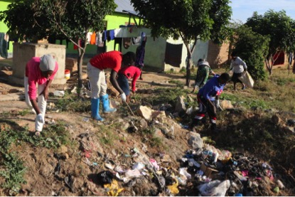 Volunteers clean up neighborhood