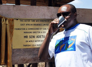 Mr. Seni Adetu, chief guest at a World Water Day in Nairobi.