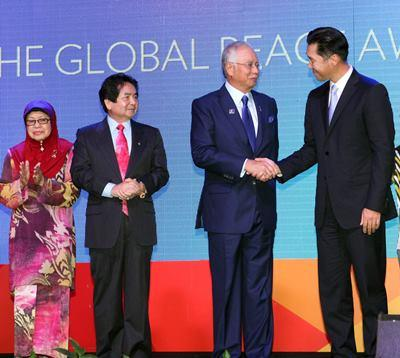 PM Najib and GPF Chairman Hyun Jin Moon at GPC 2013