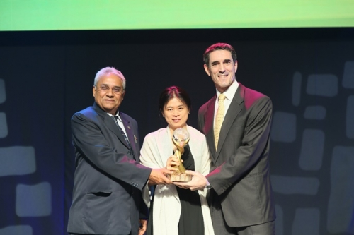 Global Peace Awards: Outstanding Service