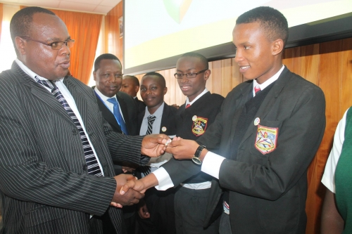Youth awarded badges at Web Rangers stakeholders meeting