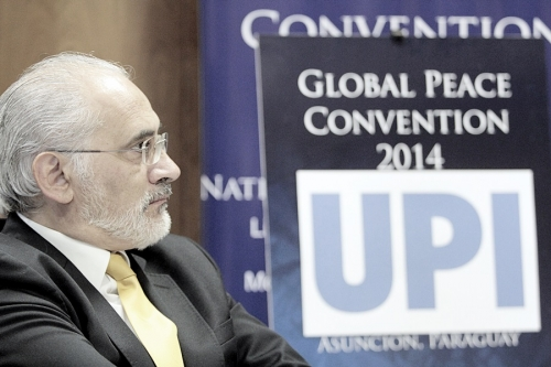 H.E. Carlos Mesa in Media Session at Global Peace Convention 2014