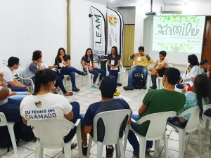 "Weekly seminars of GPWoman in the Peacebuilding and Conflict Resolution Circle under the theme ""Building Values"" with teenagers from the LEAM social project."