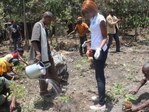Kenyan Youth Do Environment Restoration on International Day of Peace