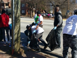 Volunteers Clean up for MLK Service Day 2015.