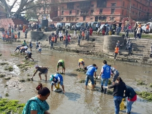 Nepal community members take care of Bagmati River during 100th Week Mega Campaign.