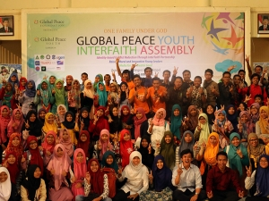 Group of participants at Global Peace Youth Interfaith Assembly